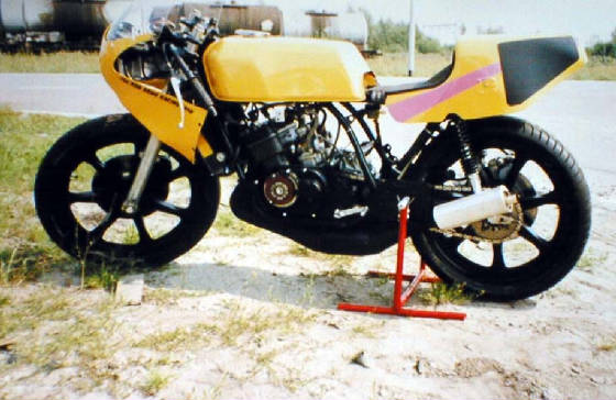 TZ 350 engine in RD 400 frame, 2x 38 carburettors with power jets